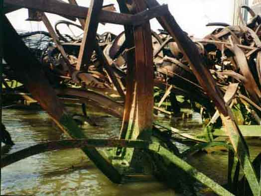 Collapsed-steel-structure-2